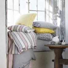 Фотография: Декор в стиле Кантри, Декор интерьера, Мебель и свет, Декор дома, Цвет в интерьере, IKEA, Посуда – фото на InMyRoom.ru