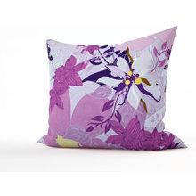 Декоративная подушка: Фиолетовые лепестки