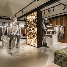 Фото из портфолио Светильники Armator в магазинах «Кашемир и Шелк» – фотографии дизайна интерьеров на INMYROOM