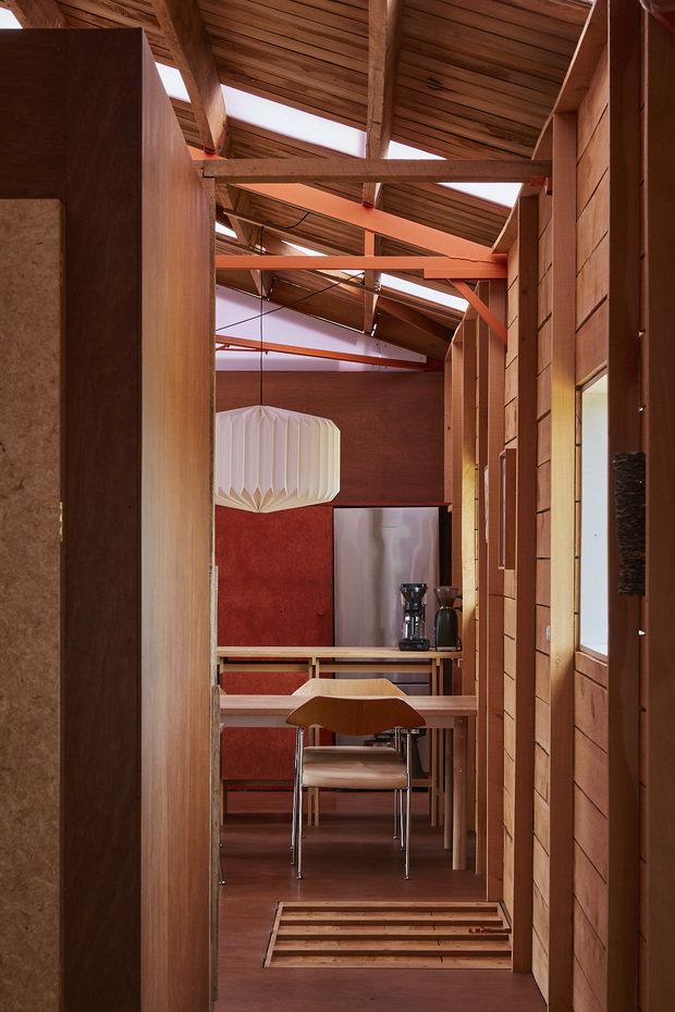 Фотография: Кухня и столовая в стиле Эко, Современный, Минимализм, Дом и дача, 3 комнаты, Индивидуальный проект – фото на INMYROOM