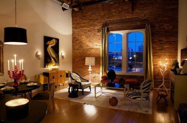Фотография: Гостиная в стиле Эклектика, Квартира, Дом, Декор, Мебель и свет, Советы, Дача, Barcelona Design, как визуально увеличить высоту потолков – фото на InMyRoom.ru