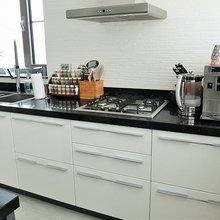 Фото из портфолио Кухонные столешницы из кварцевого агломерата – фотографии дизайна интерьеров на INMYROOM
