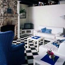 Фотография: Гостиная в стиле Лофт, Современный, Декор интерьера, Дизайн интерьера, Цвет в интерьере, Maison & Objet – фото на InMyRoom.ru