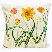 Декоративная подушка «Цветочный перфоманс», версия 14