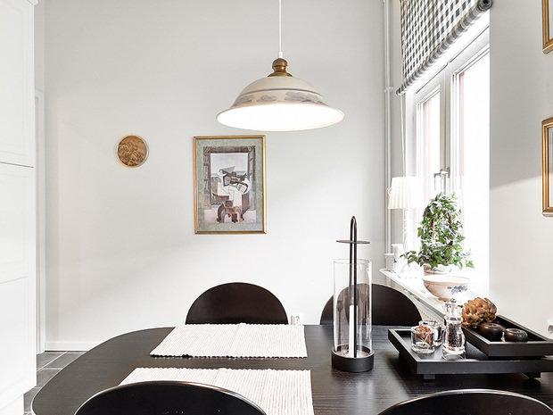 Фотография: Кухня и столовая в стиле Скандинавский, Современный, Малогабаритная квартира, Квартира, Швеция, Цвет в интерьере, Дома и квартиры, Белый, Гетеборг – фото на InMyRoom.ru