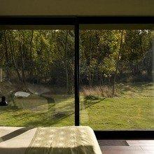 Фотография: Спальня в стиле Современный, Минимализм, Интерьер комнат – фото на InMyRoom.ru