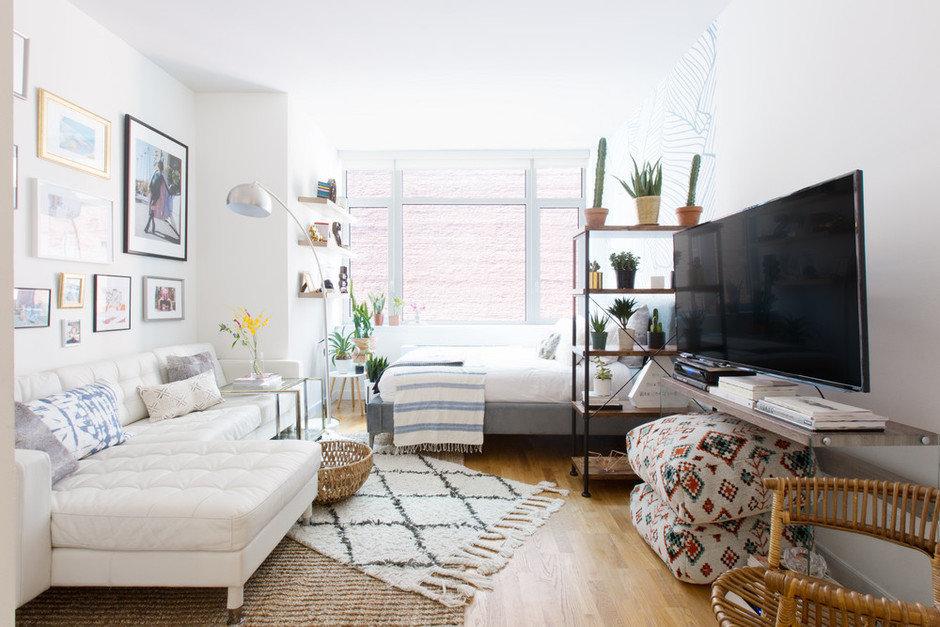 Фотография: Гостиная в стиле Скандинавский, Декор интерьера, Малогабаритная квартира, Квартира, Нью-Йорк, Гид – фото на InMyRoom.ru