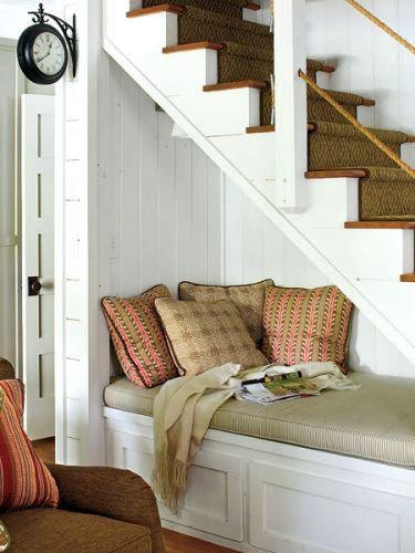 Фотография: Кухня и столовая в стиле Современный, Советы, Гид, Дом и дача, ниша под лестницей – фото на InMyRoom.ru