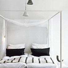 Фотография: Спальня в стиле Скандинавский, Квартира, Швеция, Цвет в интерьере, Дома и квартиры, Белый – фото на InMyRoom.ru