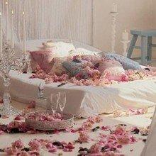 Фотография: Спальня в стиле Кантри, Декор интерьера, DIY, Праздник, День святого Валентина – фото на InMyRoom.ru