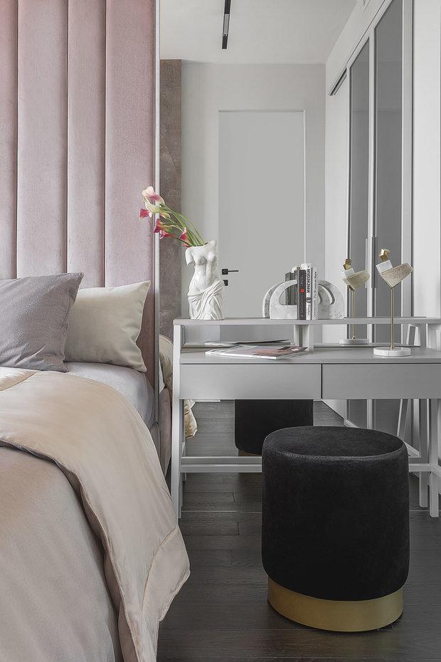 Фотография: Спальня в стиле Современный, Квартира, Проект недели, Москва, 2 комнаты, 60-90 метров, Interer Architects – фото на INMYROOM