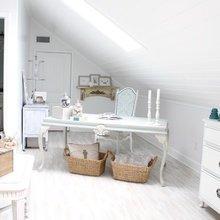 Фотография: Мебель и свет в стиле Скандинавский, Кабинет, Интерьер комнат, Мансарда – фото на InMyRoom.ru