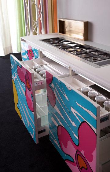 Фотография: Кухня и столовая в стиле Современный, Индустрия, Новости, Принты – фото на InMyRoom.ru
