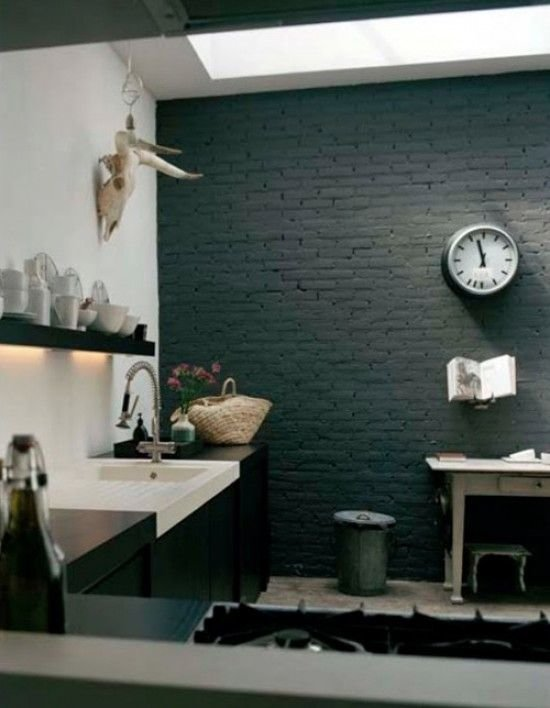Фотография: Ванная в стиле Лофт, Прованс и Кантри, Скандинавский, Декор, Советы, Ремонт на практике, кирпич в интерьере, покраска кирпичной стены, кирпичная стена, кирпичная стена в интерьере, краска для кирпичной стены – фото на InMyRoom.ru