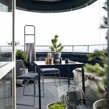 Фотография: Балкон в стиле Скандинавский, Минимализм, Декор интерьера, Квартира, Аксессуары, Мебель и свет, Белый, Черный – фото на InMyRoom.ru