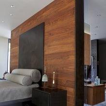 Фотография: Спальня в стиле Лофт, Эко, Малогабаритная квартира, Квартира, Советы, Бежевый, Бирюзовый, Зонирование, как зонировать комнату, как зонировать однушку, как зонировать однокомнатную квартиру – фото на InMyRoom.ru