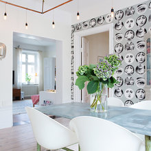 Фотография: Кухня и столовая в стиле Скандинавский, Квартира, Швеция, Цвет в интерьере, Дома и квартиры, Белый, Обои – фото на InMyRoom.ru