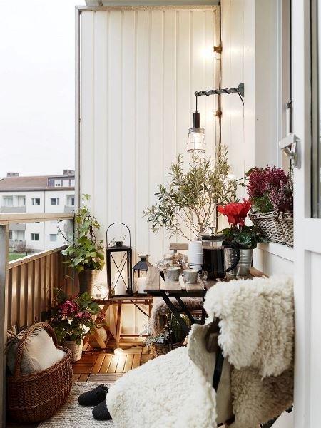Фотография: Балкон в стиле Скандинавский, Прованс и Кантри, Квартира, Декор, Советы, как обустроить открытый балкон, городской балкон, открытый балкон, идеи для открытого балкона – фото на InMyRoom.ru