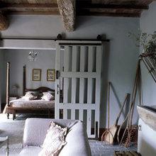 Фотография: Спальня в стиле Кантри, Декор интерьера, Франция, Дома и квартиры, Городские места, Отель, Прованс – фото на InMyRoom.ru