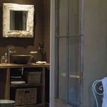Фотография: Ванная в стиле Кантри, Кухня и столовая, Дом, Франция, Дома и квартиры, Прованс, Двери, Беседка – фото на InMyRoom.ru