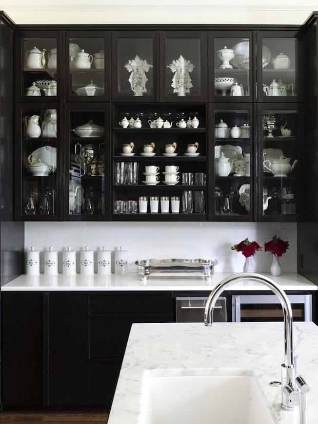 Фотография: Кухня и столовая в стиле Современный, Восточный, Интерьер комнат, Цвет в интерьере, Белый – фото на InMyRoom.ru