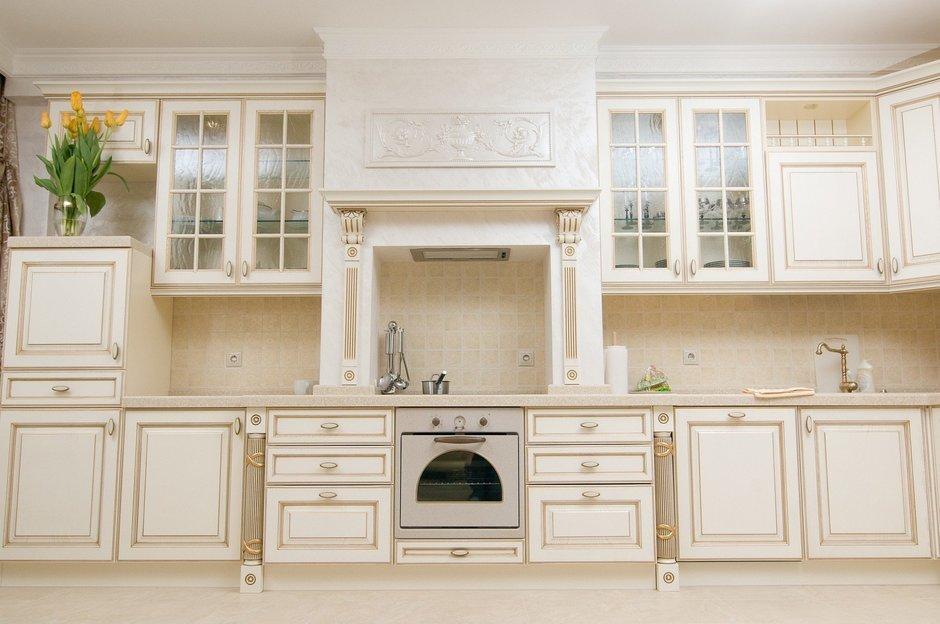 Фотография: Кухня и столовая в стиле Классический, Малогабаритная квартира, Интерьер комнат – фото на InMyRoom.ru
