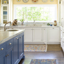Фотография: Кухня и столовая в стиле Кантри, Декор интерьера, Интерьер комнат, Проект недели – фото на InMyRoom.ru