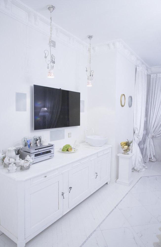 Фотография:  в стиле , Классический, Квартира, Россия, Проект недели, Москва, Наталья Медведева, «АПРИОРИ дизайн», белый интерьер – фото на InMyRoom.ru