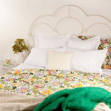 Фотография: Спальня в стиле Кантри, Декор интерьера, Цвет в интерьере, Текстиль, Индустрия, Новости, Zara Home, Вышивка – фото на InMyRoom.ru