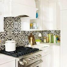 Фотография: Кухня и столовая в стиле Кантри, Декор интерьера, Декор дома, Плитка, Ремонт на практике – фото на InMyRoom.ru