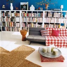 Фотография: Гостиная в стиле Скандинавский, Декор интерьера, Декор дома, Полки, Библиотека – фото на InMyRoom.ru