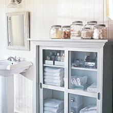 Фотография: Ванная в стиле Кантри, Стиль жизни, Советы, Системы хранения – фото на InMyRoom.ru
