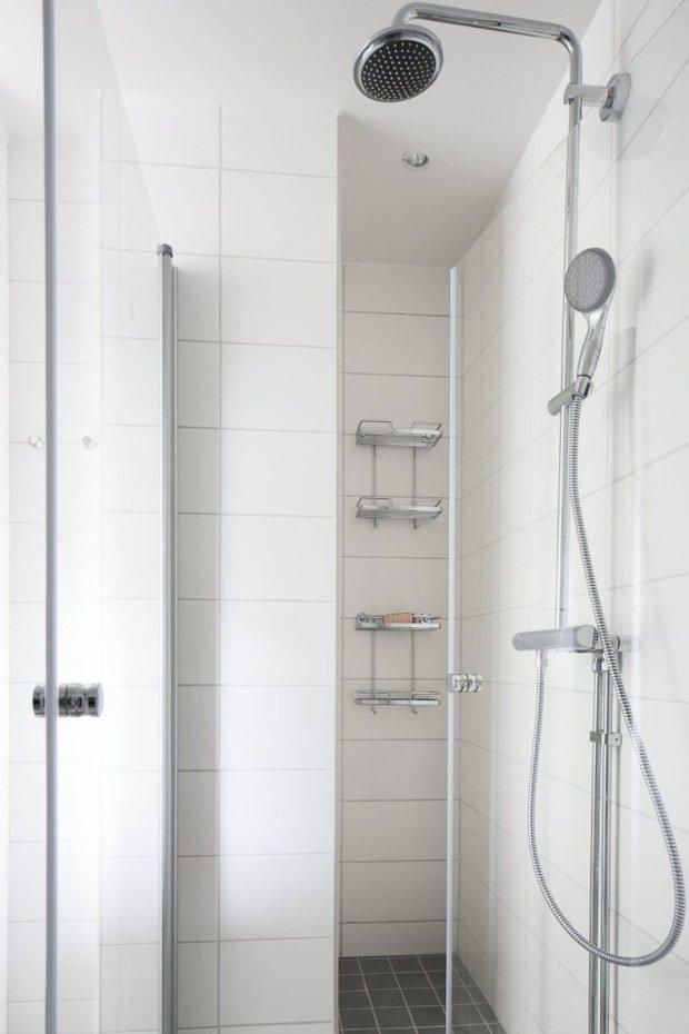 Фотография: Ванная в стиле Скандинавский, Современный, Малогабаритная квартира, Квартира, Планировки, Хранение – фото на InMyRoom.ru