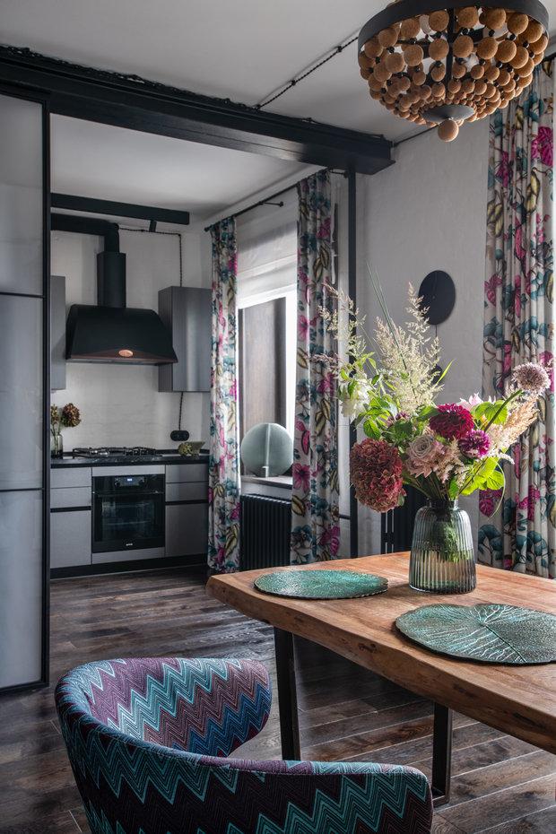 Фотография: Кухня и столовая в стиле Лофт, Эклектика, Квартира, Проект недели, Москва, Кирпичный дом, 2 комнаты, 40-60 метров, Алина Палагина – фото на INMYROOM
