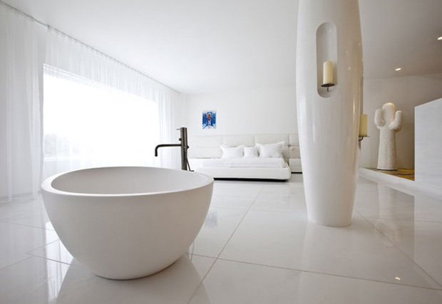 Фотография: Ванная в стиле Хай-тек, Советы, Белый, Анна Коковашина – фото на INMYROOM