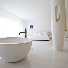 Фотография: Ванная в стиле Хай-тек, Советы, Белый, Анна Коковашина – фото на InMyRoom.ru