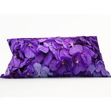 Диванная подушка: Лепестки орхидей