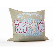 Декоративная подушка: Шумные друзья