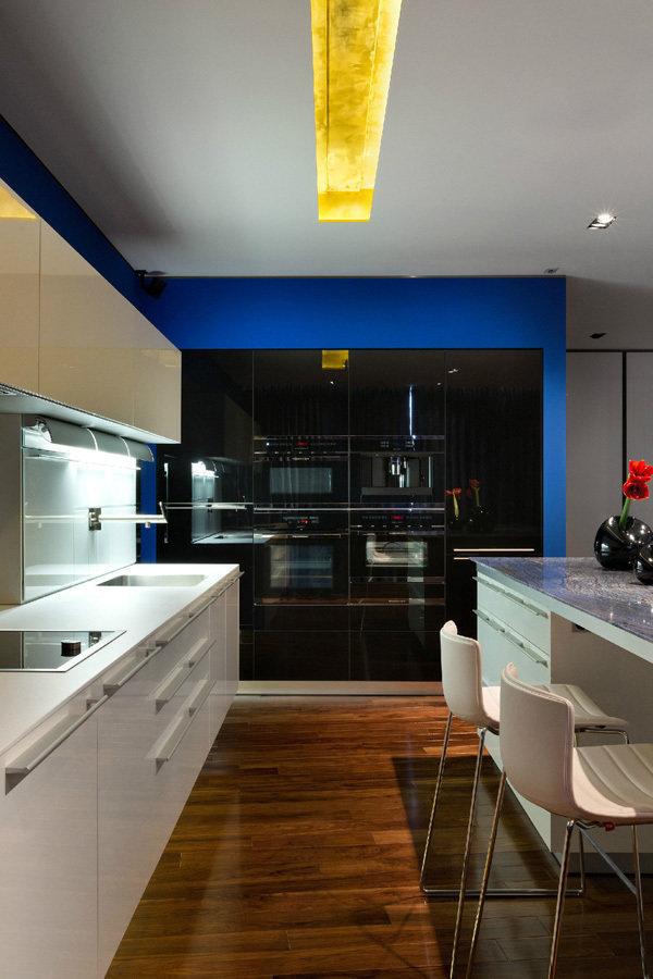 Фотография: Кухня и столовая в стиле Современный, Квартира, Дома и квартиры, Минимализм – фото на InMyRoom.ru