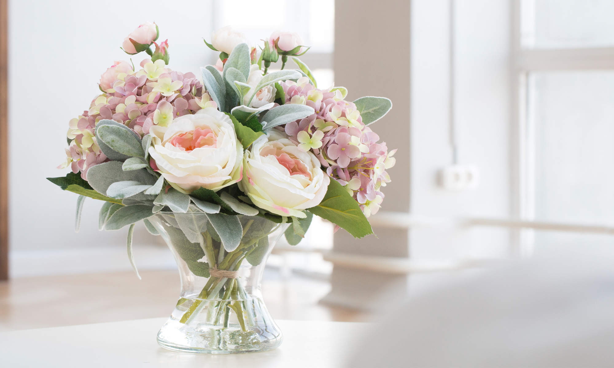 Купить Композиция из искусственных цветов - пудровая гортензия, розы, статица, inmyroom, Россия