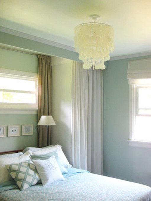 Фотография: Спальня в стиле Классический, Современный, Декор интерьера, Дом, Декор дома, Системы хранения, Шторы – фото на InMyRoom.ru