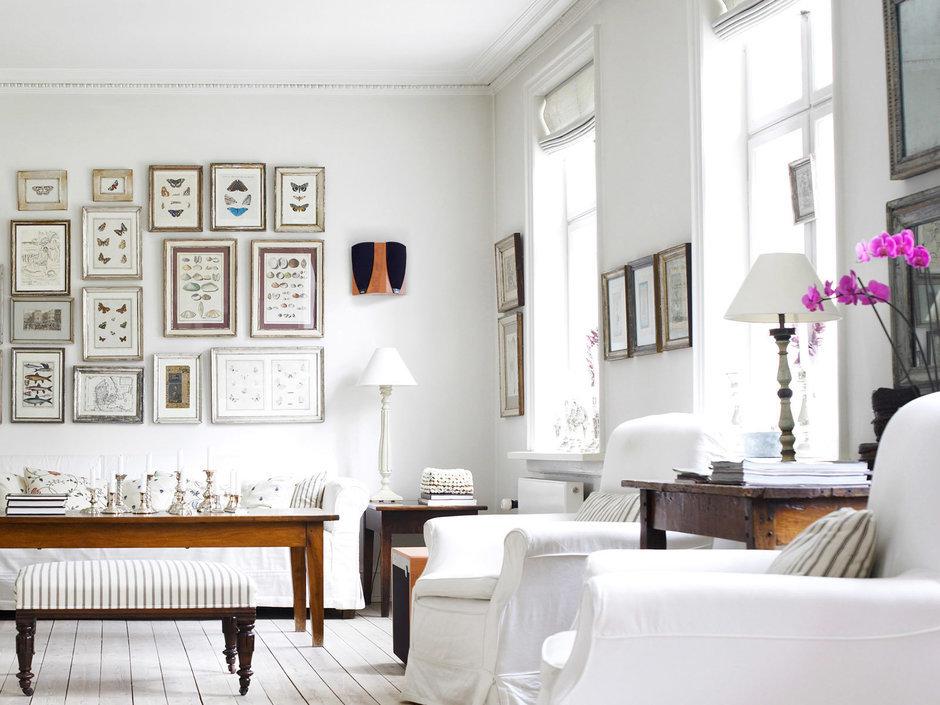 Фотография: Гостиная в стиле Скандинавский, Декор интерьера, Дизайн интерьера, Цвет в интерьере, Белый, Dulux, Краска – фото на InMyRoom.ru