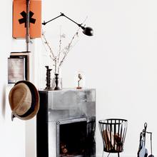 Фотография: Декор в стиле Лофт, Декор интерьера, Дом, Мебель и свет, Цвет в интерьере, Дома и квартиры, Стены, Индустриальный, Лампы – фото на InMyRoom.ru