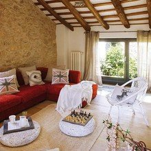 Фотография: Гостиная в стиле Кантри, Дом, Дома и квартиры, Балки – фото на InMyRoom.ru