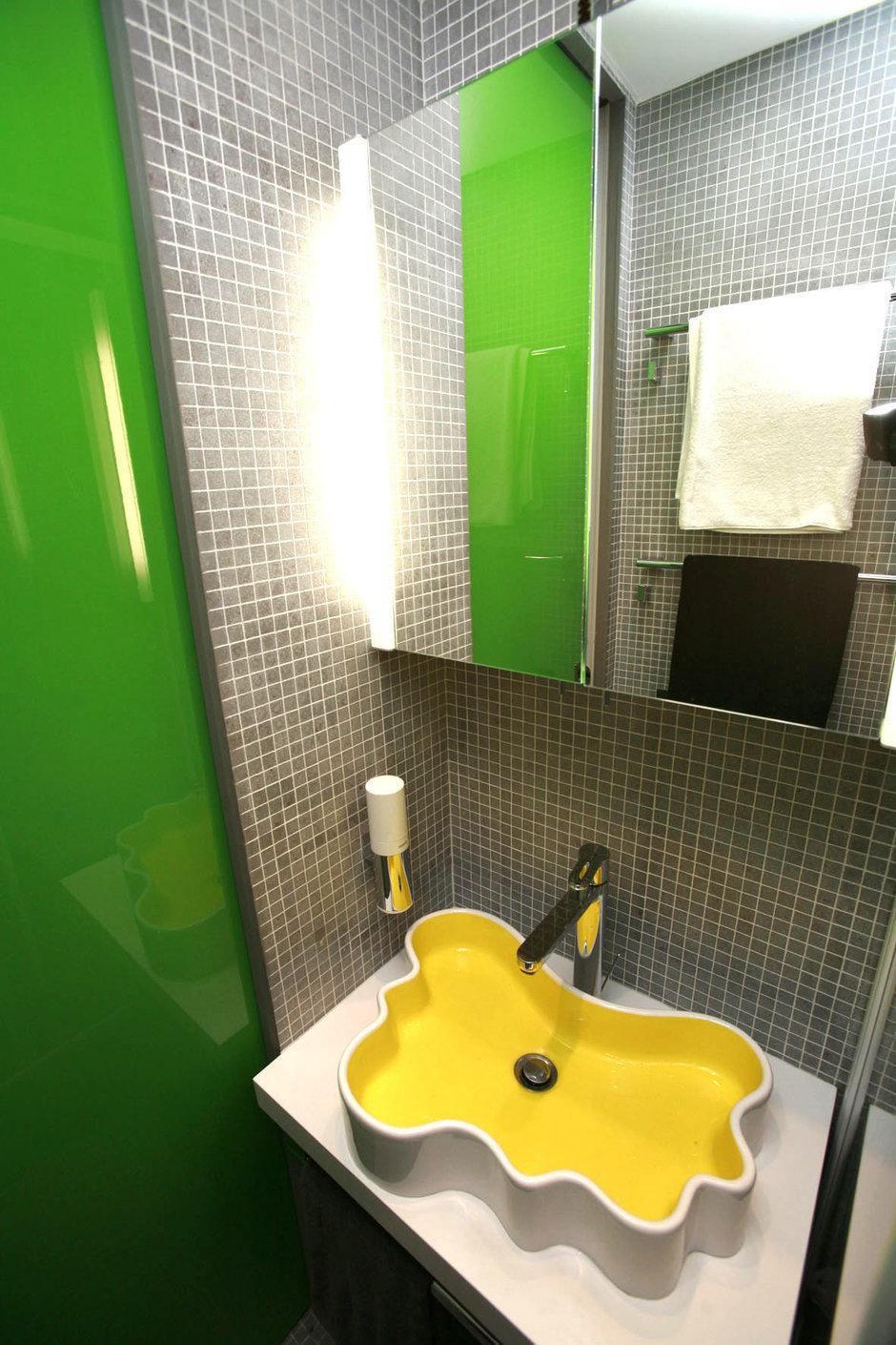 Фотография: Ванная в стиле Хай-тек, Квартира, Дома и квартиры, Перепланировка, Ремонт – фото на InMyRoom.ru
