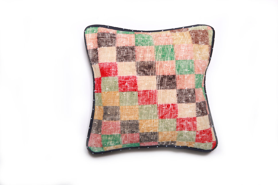Подушка декоративная из шерсти 45 х 45