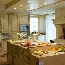 Фотография: Кухня и столовая в стиле Кантри, Дом, Дома и квартиры, Прованс, Бассейн – фото на InMyRoom.ru