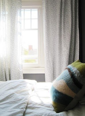 Фотография: Кухня и столовая в стиле Лофт, Спальня, Интерьер комнат, Кровать, Гардероб, Комод, Пуф, Табурет – фото на InMyRoom.ru