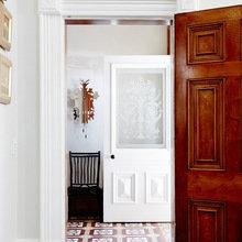 Фотография: Прихожая в стиле Классический, Современный, Эклектика, Дом, Дома и квартиры – фото на InMyRoom.ru