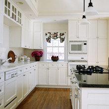 Фотография: Кухня и столовая в стиле Скандинавский, Декор интерьера, Дизайн интерьера, Цвет в интерьере, Белый, Dulux, Краска – фото на InMyRoom.ru
